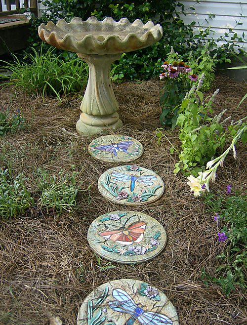 Path_to_the_birdbath